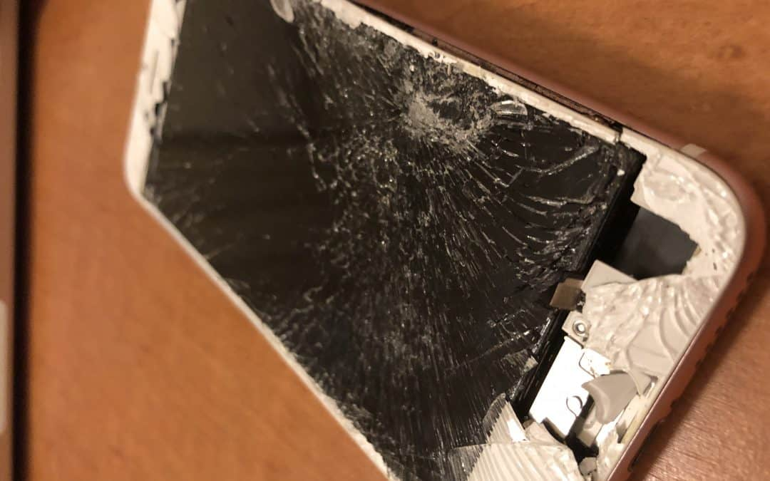 Fix A Cracked iPhone Screen At Home in Detroit
